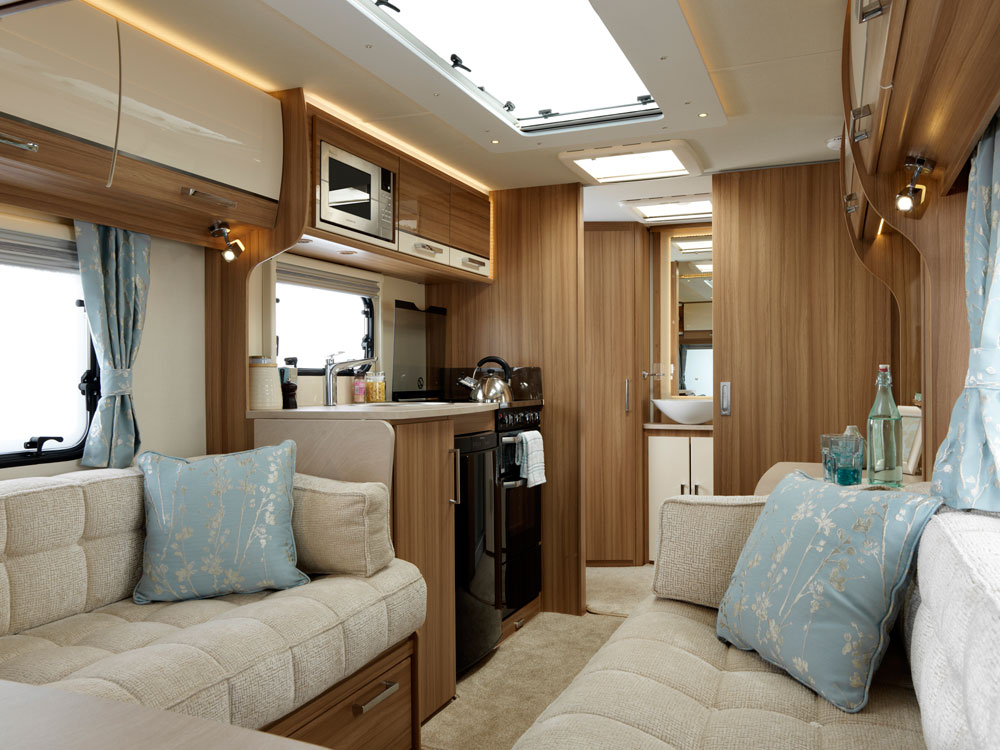 End of Season sale – 2016 Lunar Clubman CK demo model reduced by £2224 – New Price £19,600! And now with 3 years FREE servicing