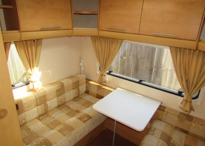 BAILEY-PAG-PROVENCE-S6-2008-DINETTE