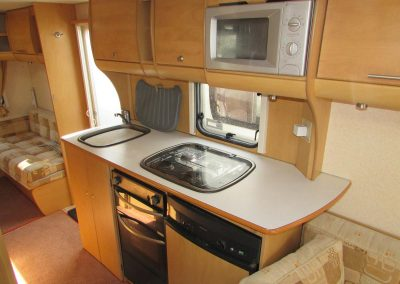 BAILEY-PAG-PROVENCE-S6-2008-KITCHEN