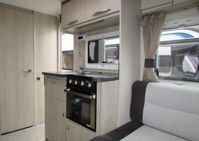 CARAVELAIR-406-2018.KITCHEN