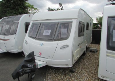 Lunar Quasar 524 2008 – £6,995 4 berth, end washroom