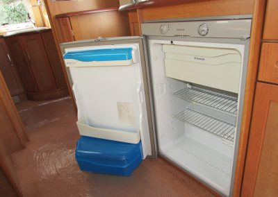 BESSACARR-CAMEO-550GL-2004-FRIDGE