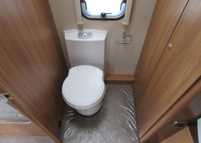 SWIFT-CHALL-SPORT-524-WASHROOM