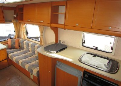 BAILEY-RANGER-460-2008-LOUNGE2